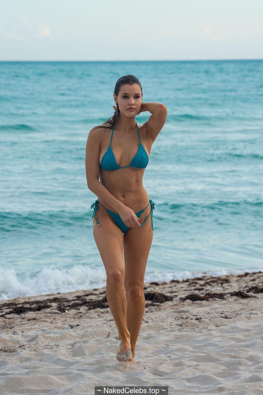 Joy Corrigan Naked joy corrigan pokies in green bikini on the beach in miami